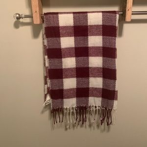 Like New Maroon White Burgundy Buffalo Plaid Scarf